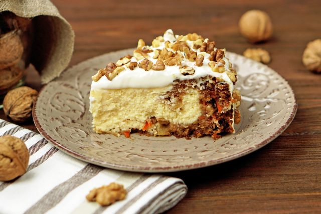 How to Make a Copycat Cheesecake Factory Carrot Cake Cheesecake (Video)