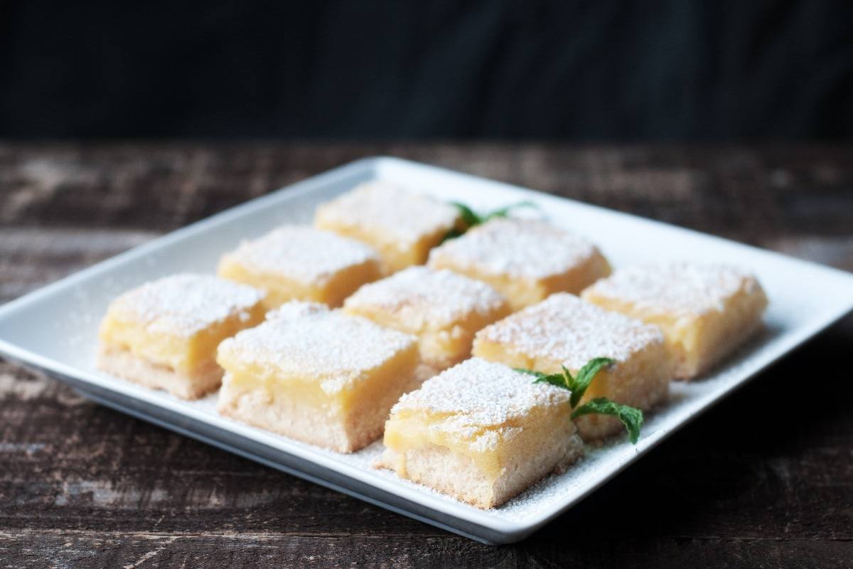 Cheesecake Lemon Bars - KitchMe