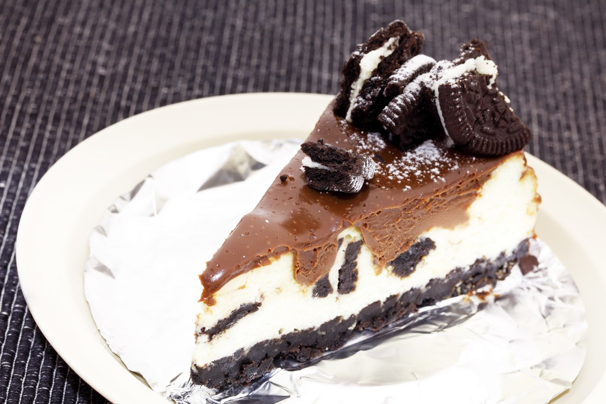13. Chocolate Cookie Cheesecake