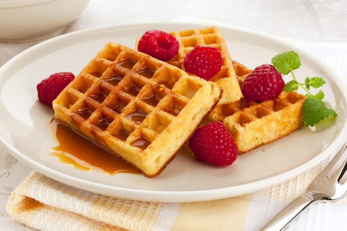 Cinnamon Belgian Waffles - KitchMe