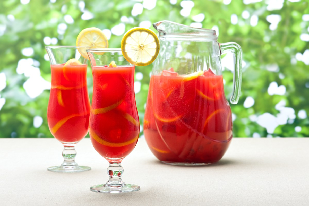 Classic Spanish Sangria - KitchMe