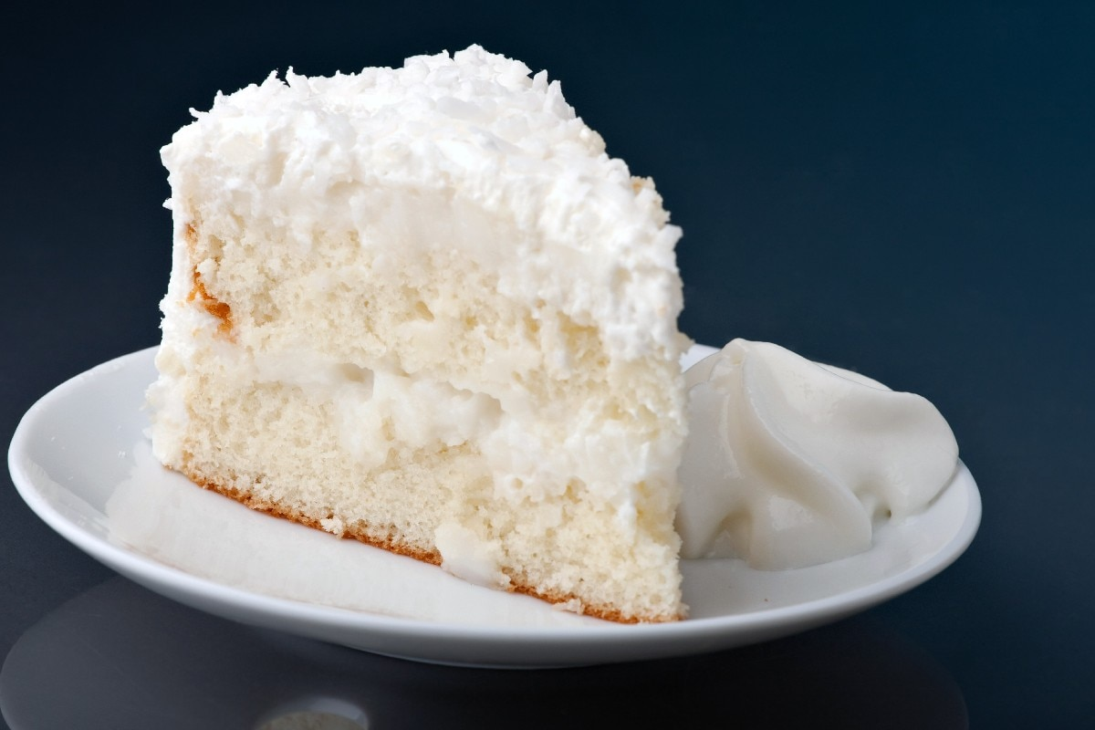 Coconut Cake Recipes With Pictures : Coconut Cream Cake - KitchMe