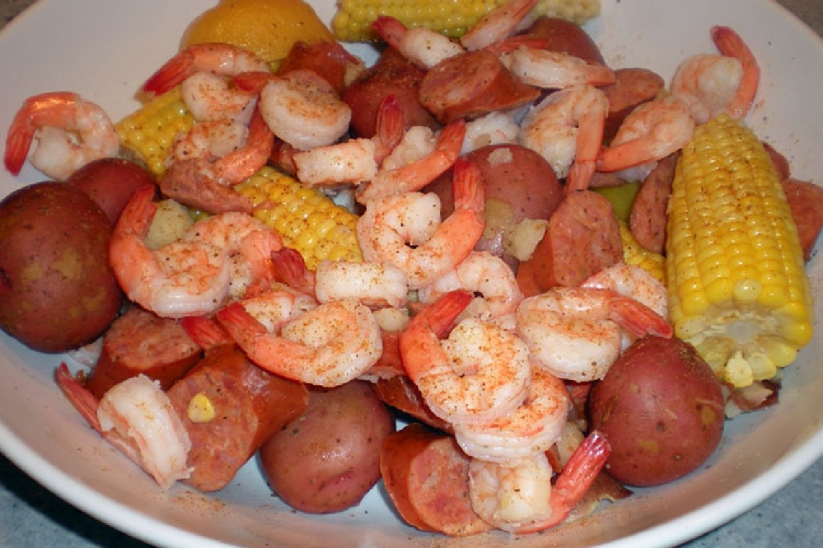 Frogmore Stew - KitchMe