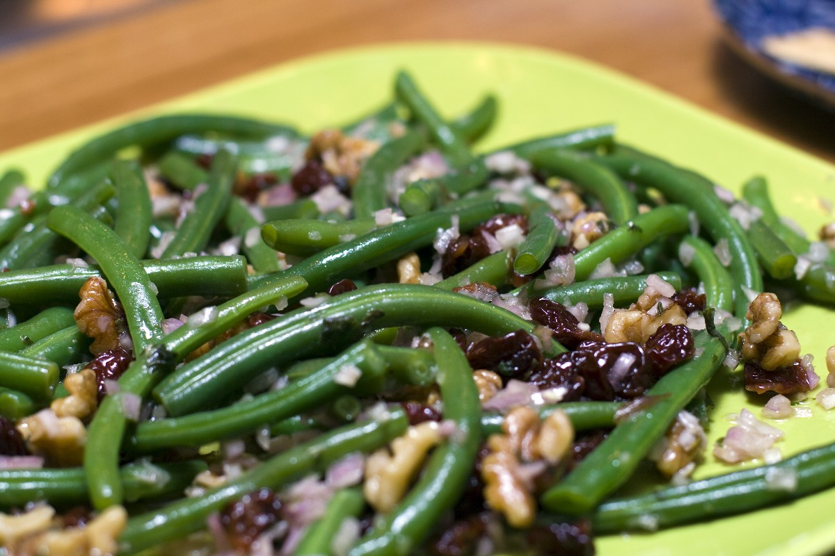 Lemon Green Beans with Walnuts - KitchMe