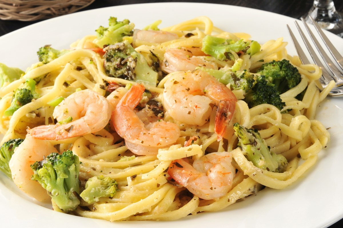 Pasta With Creamy Garlic Shrimp And Broccoli - Kitchme-1369