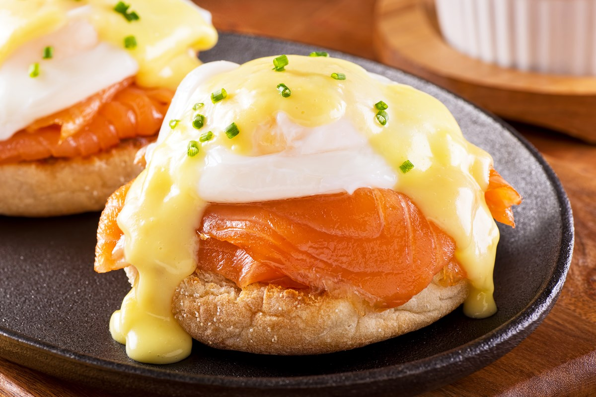 Skinny Eggs Benedict with Smoked Salmon - KitchMe