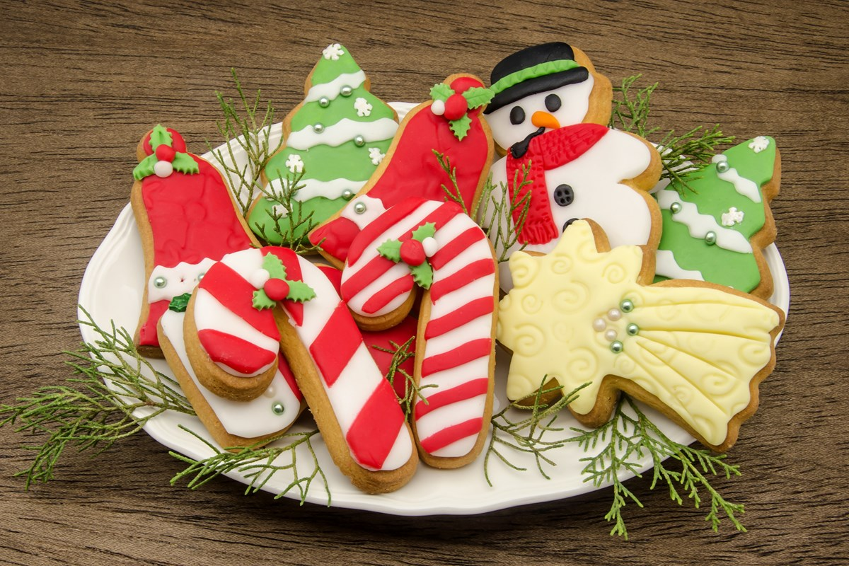 Soft Christmas Sugar Cookies - KitchMe