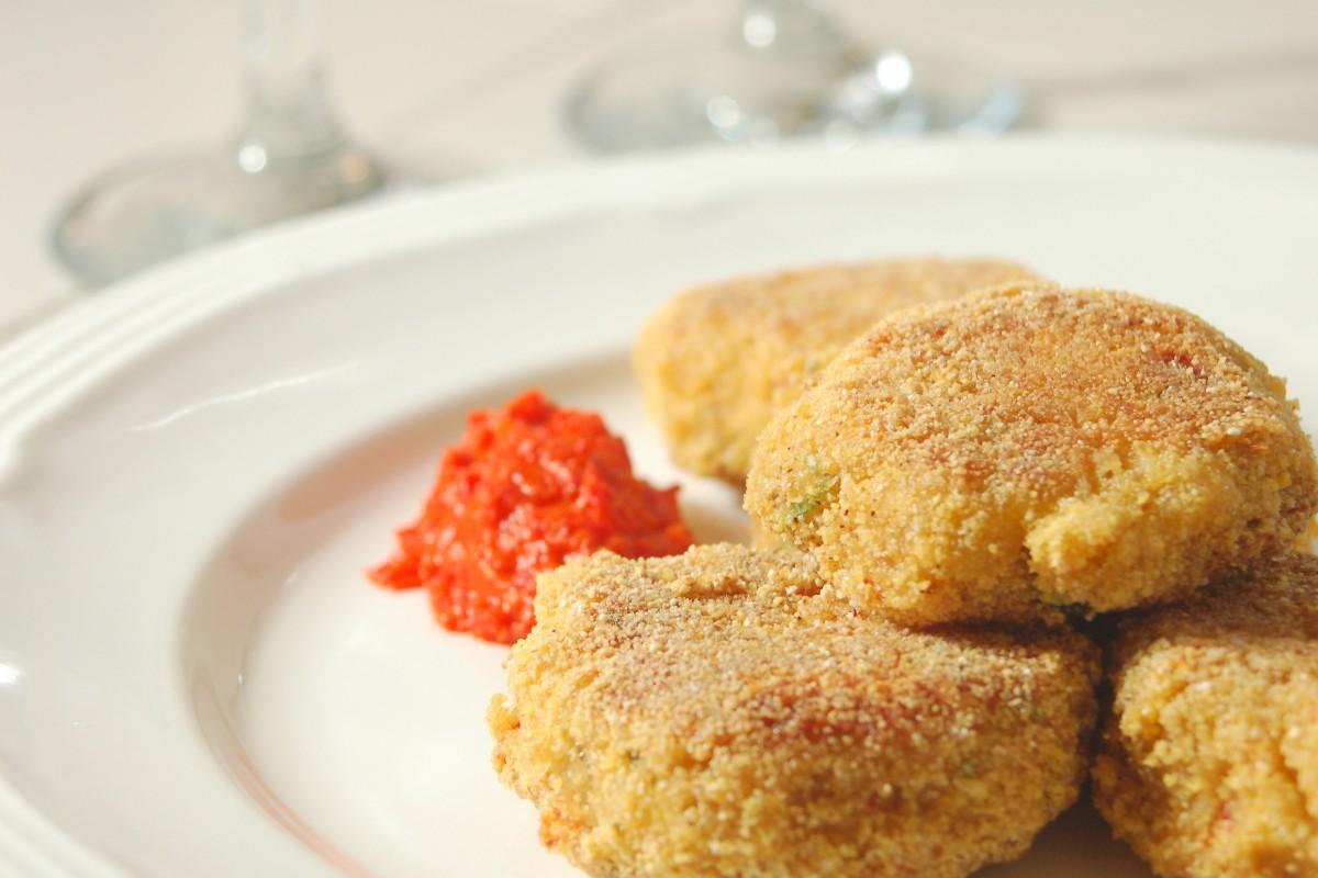 Spicy Tuna Fish Cakes - KitchMe