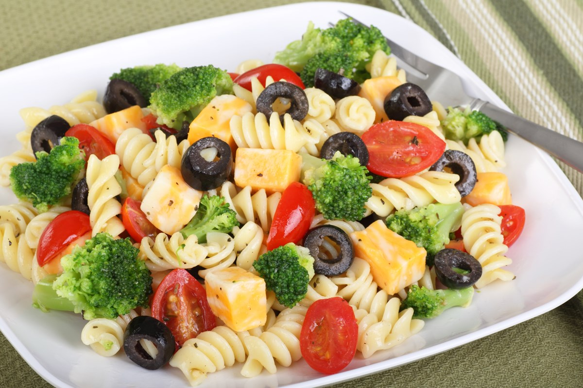 The Ultimate Pasta Salad - KitchMe