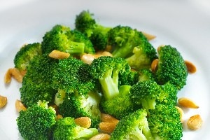 Broccoli with Garlic Butter and Cashews | KitchMe