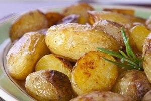 Delish Pork Chops with Balsamic Glaze & Potatoes | KitchMe