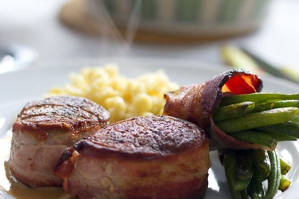 Bacon Wrapped Beef Tenderloin Steaks with Spinach and Cheese Cakes ...