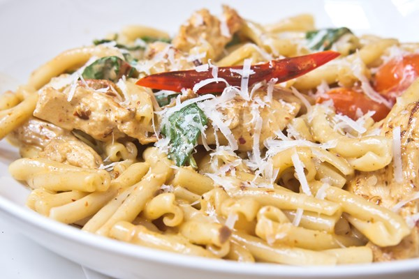 Four Cheese Pasta with Chicken (Weight Watchers) | KitchMe