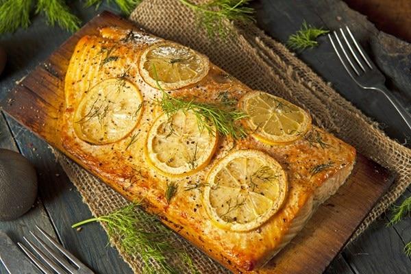 Lemon Garlic Cedar Plank Grilled Salmon | KitchMe