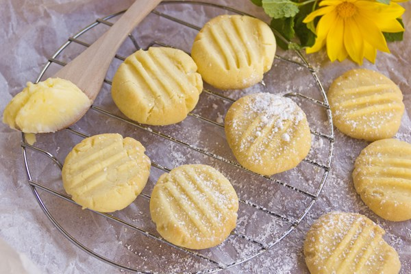 Melting Moments Cookies | KitchMe