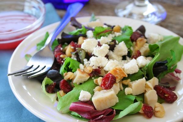 Missy's Candied Walnut Gorgonzola Salad | KitchMe