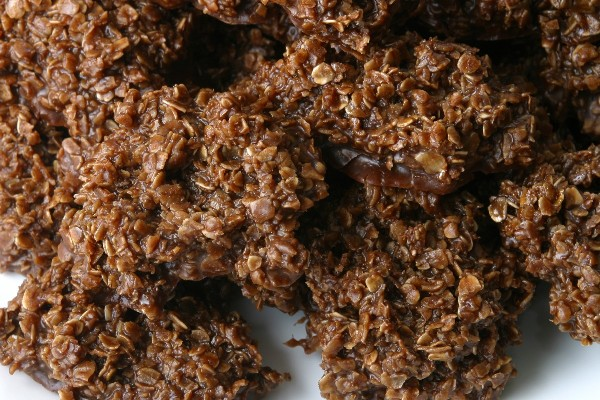 No-Bake Chocolate Oatmeal Cookies | KitchMe
