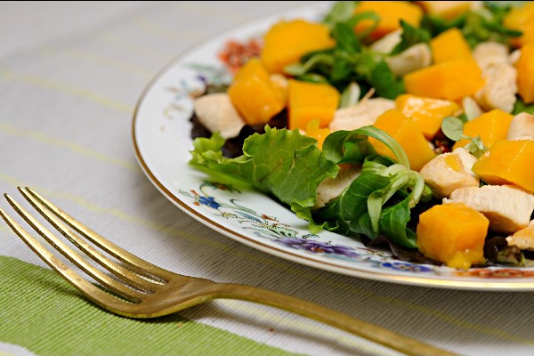 Romaine Salad With Mango And Chicken