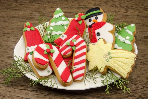 Soft Christmas Sugar Cookies | KitchMe