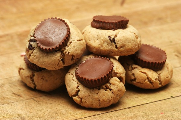 Stormy's Reese's Peanut Butter Cup Cookies (2 Ingredients!) | KitchMe