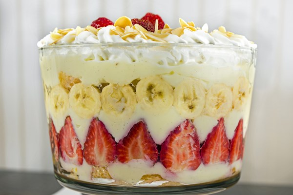 Banana Strawberry Pudding Cake Recipe