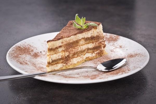 Tiramisu Layer Cake KitchMe