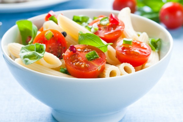 Avocado and Tomato Pasta Salad - Weight Watchers (8 Points) | KitchMe