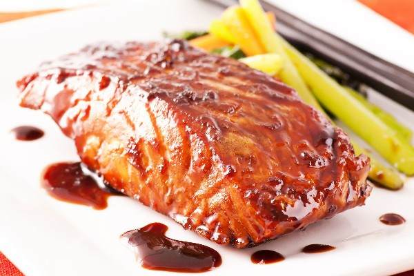 Grilled Salmon with Teriyaki Sauce (Weight Watchers) | KitchMe
