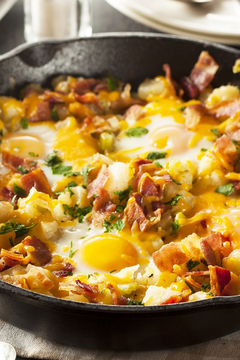 bacon, egg, and potato breakfast skillet | kitchme