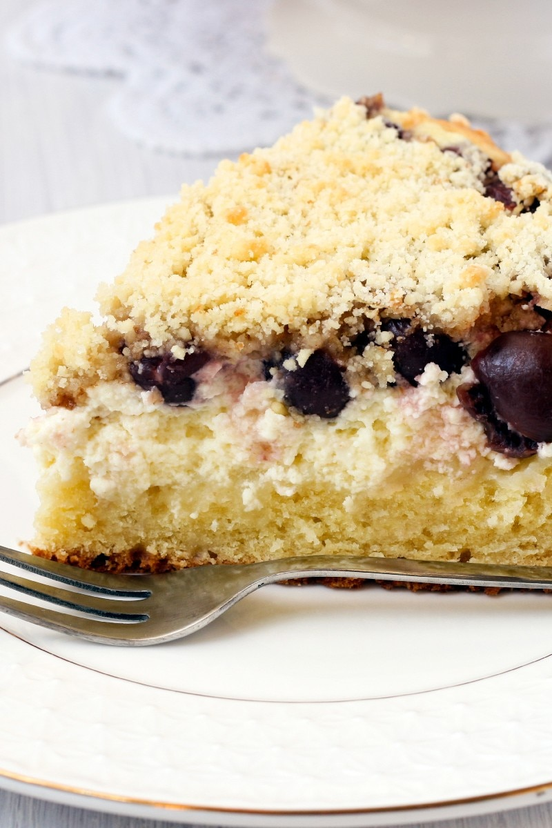 Blueberry Sour Cream Coffee Cake | KitchMe