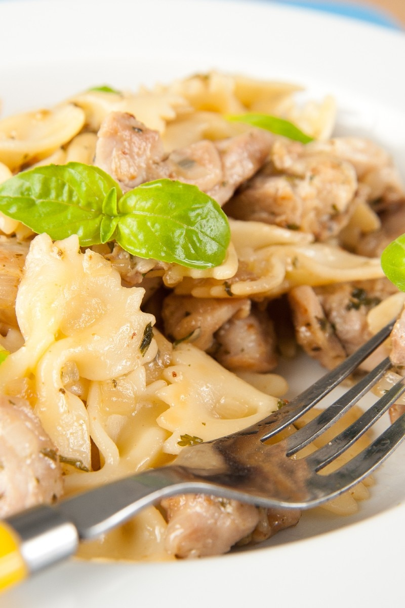 chicken and bow tie pasta kitchme
