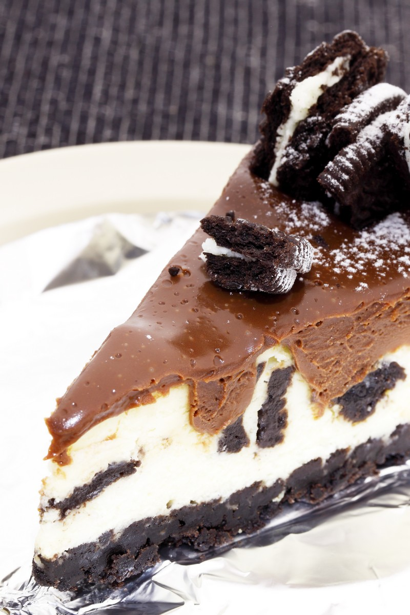 Chocolate Cookie Cheesecake | KitchMe