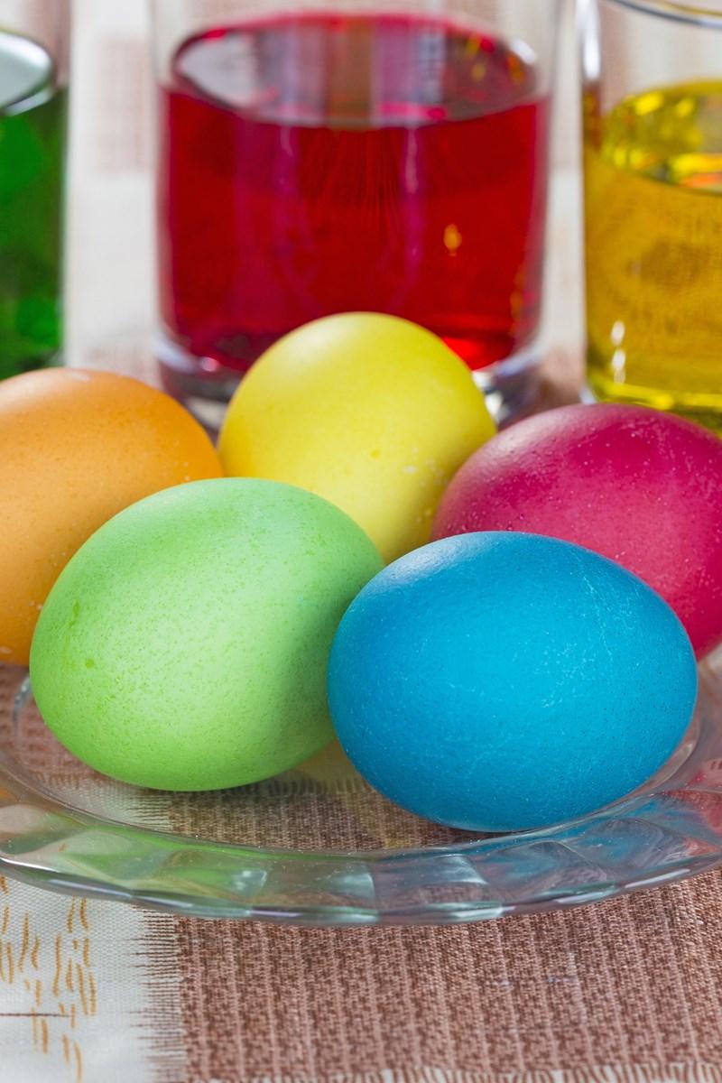Easy Homemade Easter Egg Dye | KitchMe