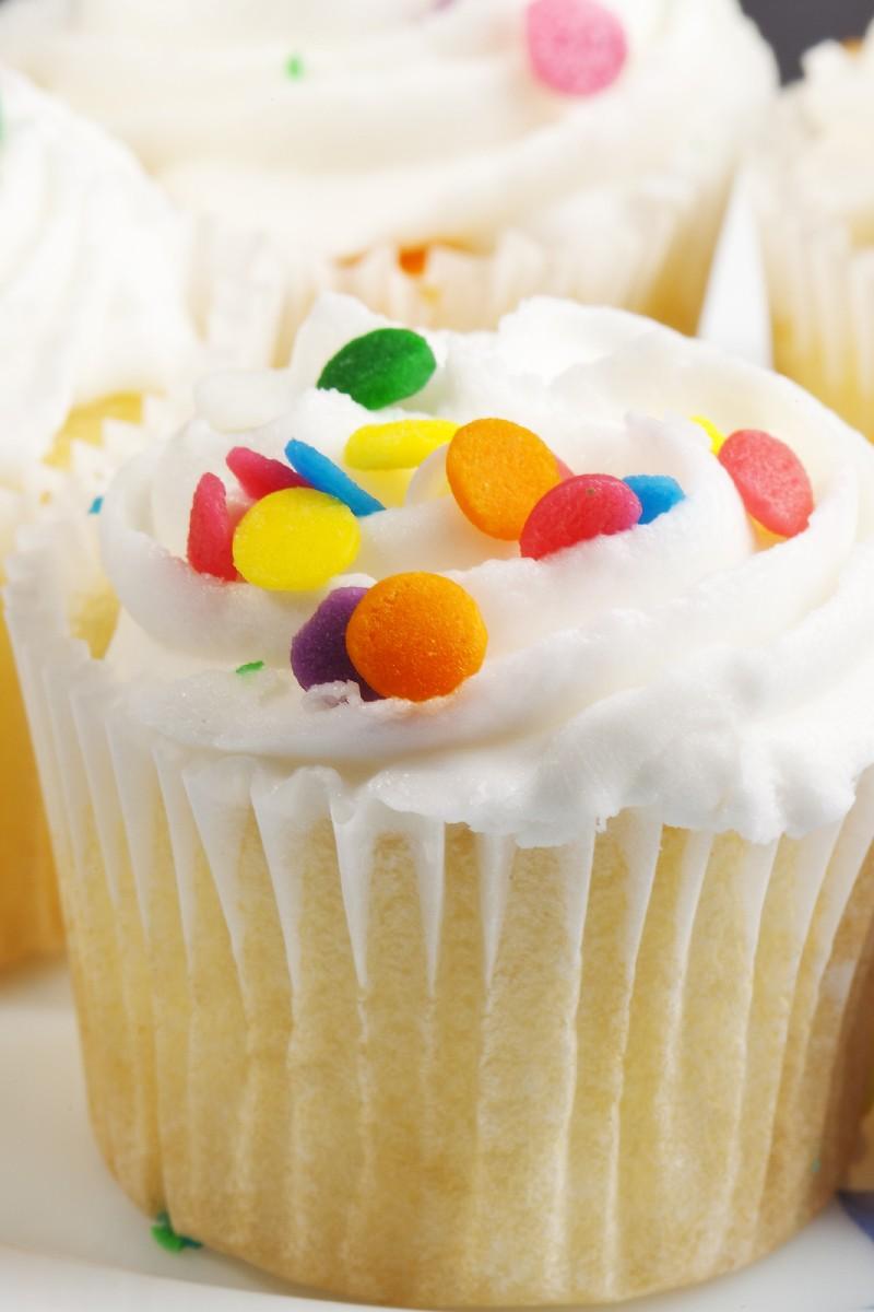 Simple White Cake | KitchMe