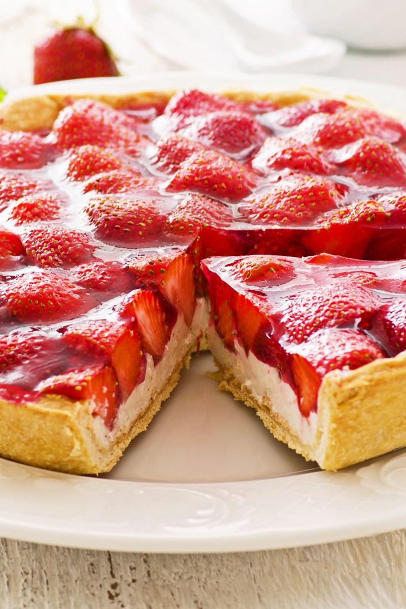 Strawberry Cream Cheese Pie | KitchMe