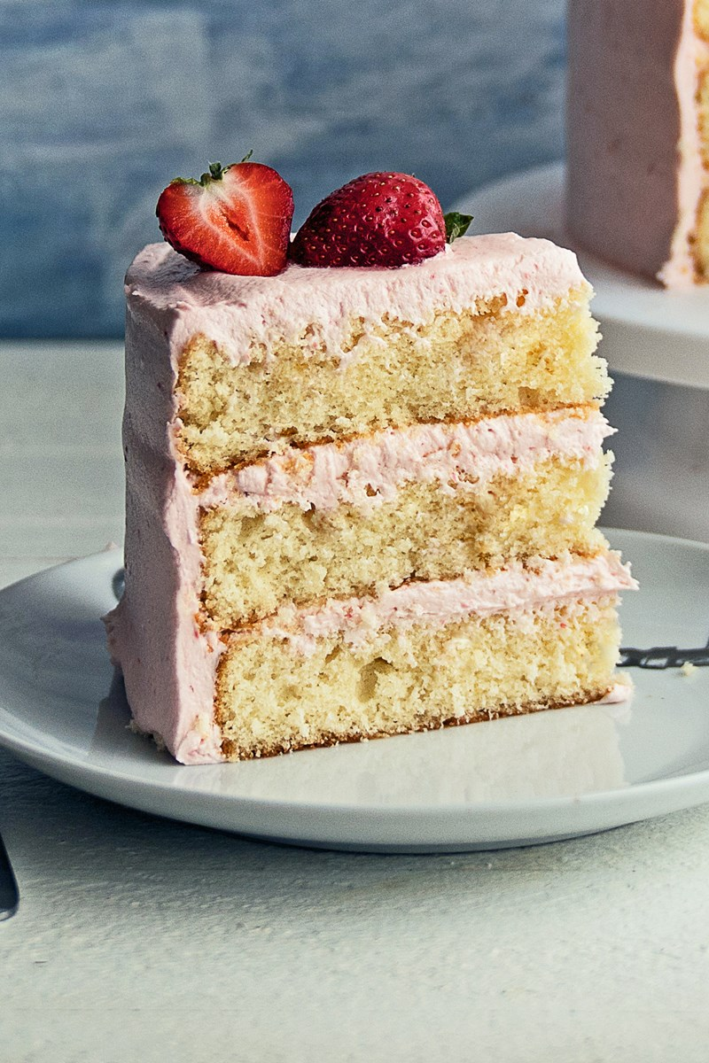 strawberry vanilla cake vanilla cake with strawberry frosting kitchme 7780