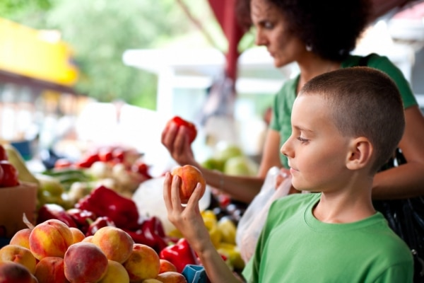 How to Save Money at Farmers Markets | Coupons.com