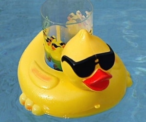 drink-poolduckholdera