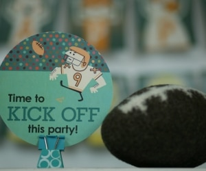 8 Football Party - Kick off Sign