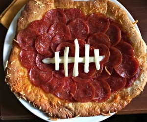 A Delish Football Pizza Recipe & 12 Football Party Snacks | thegoodstuff