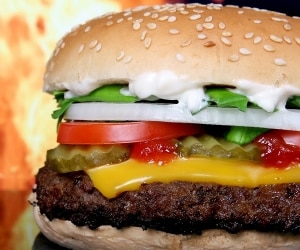 7 Surprisingly Healthy Fast Food Meals featured