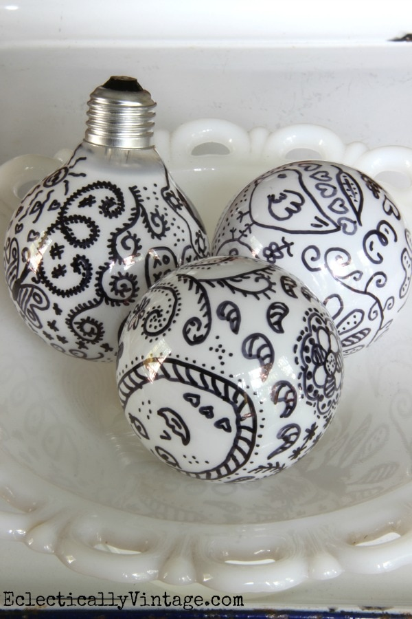 Reuse Old Light Bulbs_sharpiebulbs
