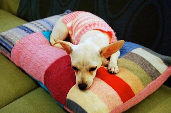 patchwork-sweater-pet-bed