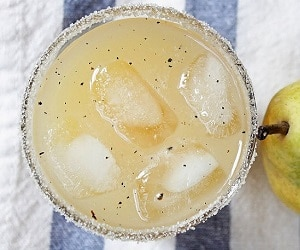 vanilla-pear-vodka-cocktail