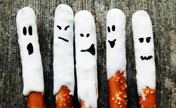 Ghost Pretzel Rods
