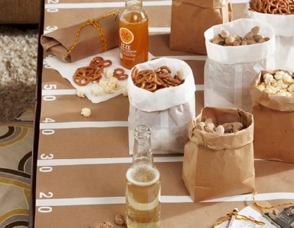 Yard Line Table Cover