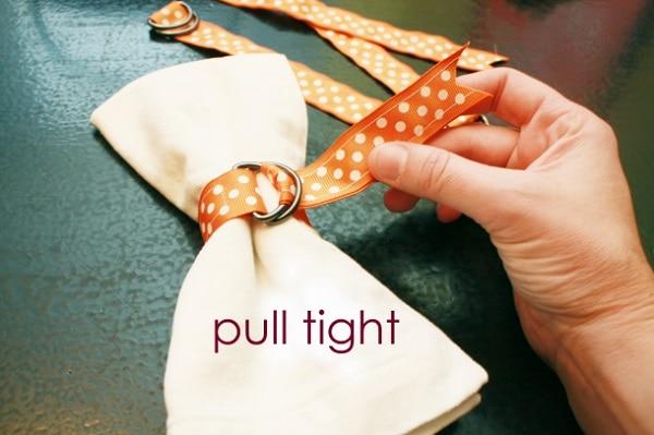 Ribbon Napkin Pull