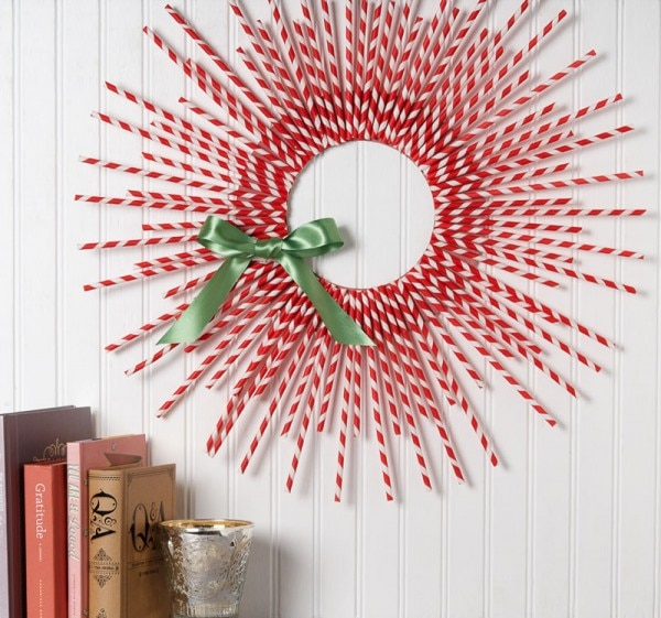 10 Paper Straw wreath