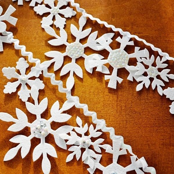 6 Felt Snowflake Garland