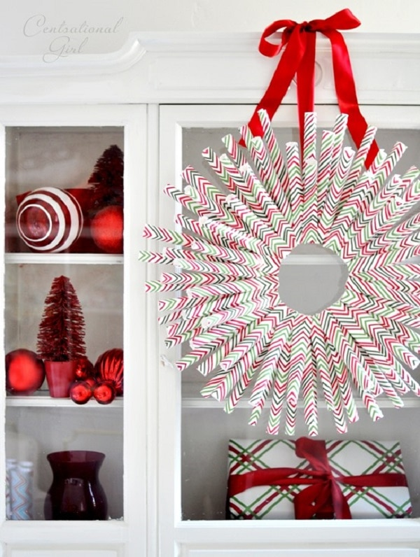 9 Wrapping Paper Wreath